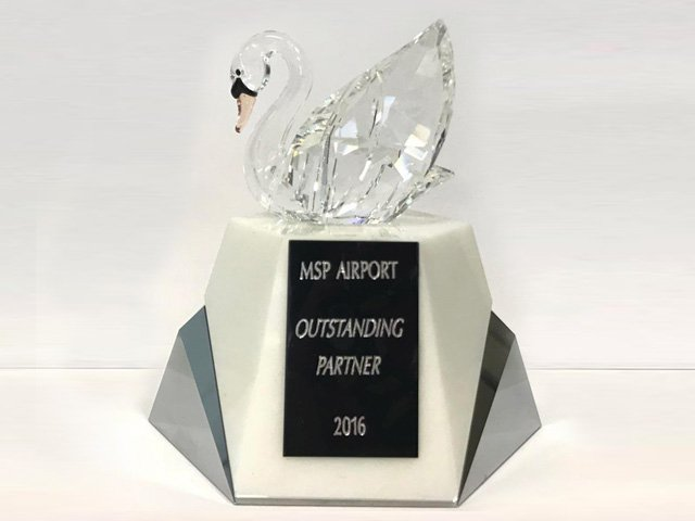 Outstanding Partners 2016 – MSP Airport Swarovski